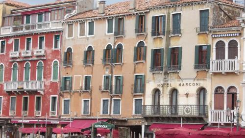 Отель Magic Rialto 0 звёзд Италия