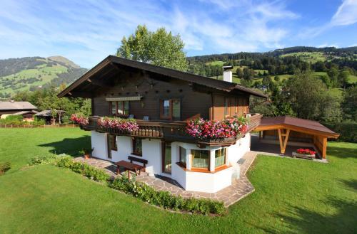 Haus Hirzinger - Apartment mit 3 Schlafzimmern und Terrasse