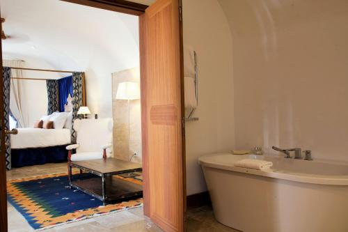 Suite Cap Rocat, a Small Luxury Hotel of the World 4