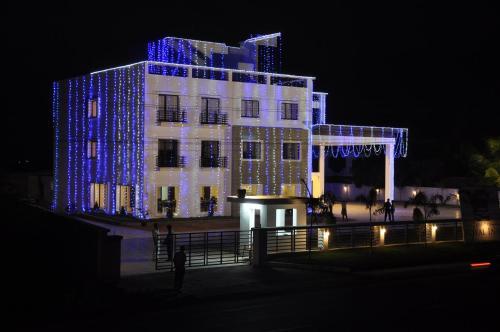 Chandra Royal Inn