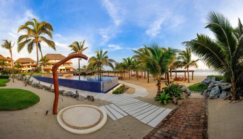 Las palmas beachfront villas zihuatanejo ixtapa for Hotel villas las palmas texcoco