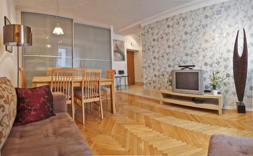 One-Bedroom Apartment with Sofa Bed-  ul. Elektoralna 24