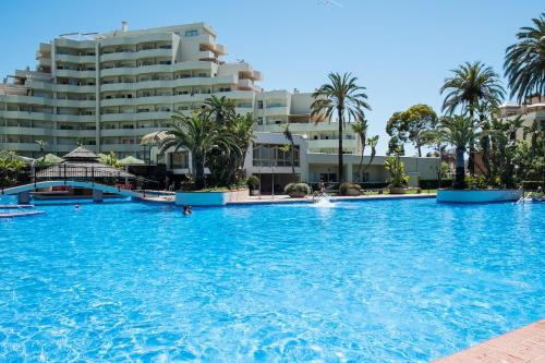 The kingfisher club benal beach benalmadena spain overview for Kingfisher swimming pool prices