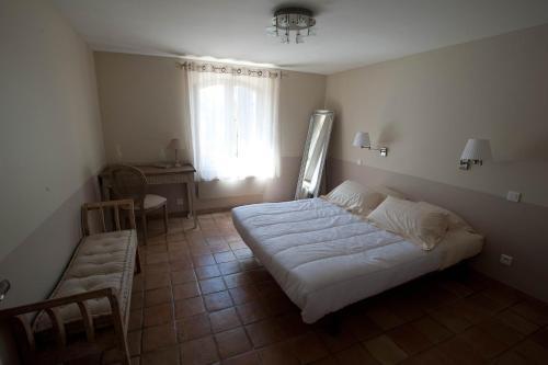 La villa chambre d 39 h tes 134 impasse des jardins du roy 83110 sanary sur mer adresse horaire - Chambres d hotes sanary sur mer ...