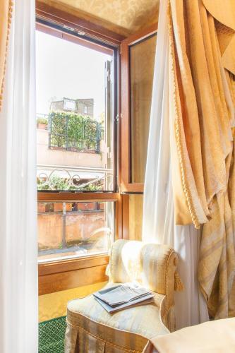 Hotel Manfredi Suite In Rome - image 25