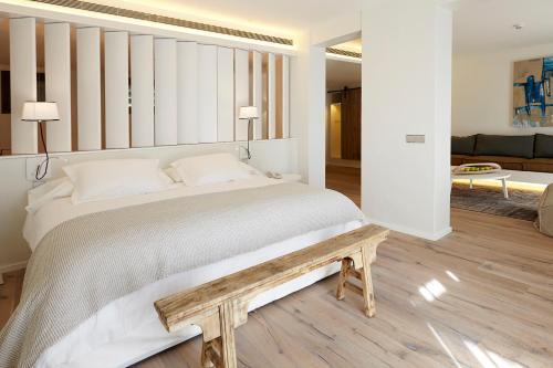 Suite Hotel Mas Lazuli 2