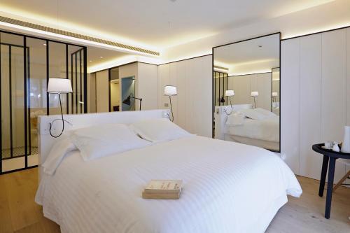 Habitación Doble Deluxe con balcón Hotel Mas Lazuli 3