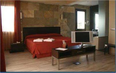Superior Double Room Villa Nazules Hípica Spa 1