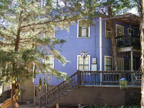 Blue Bonnet Inn