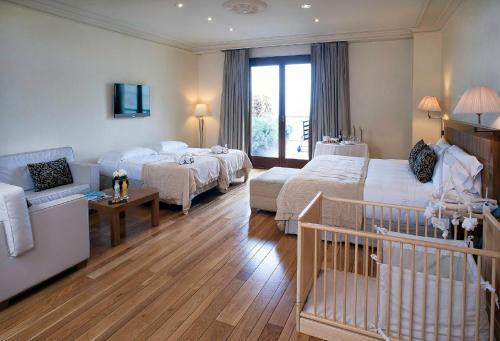 Habitación Familiar (2 adultos + 2 niños) Gran Hotel La Florida 1