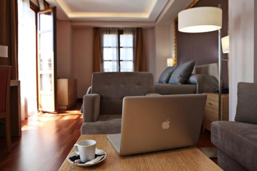 Habitación Deluxe con cama extragrande Casa Consistorial 1