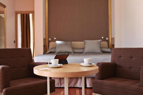 Habitación Deluxe con cama extragrande Casa Consistorial 13