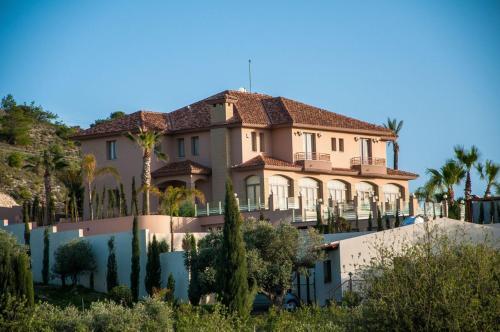 Fotini Villa