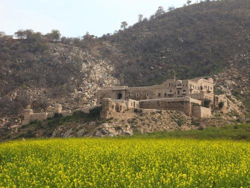 The Dadhikar Fort Hotel