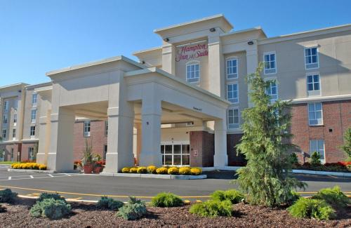 Hampton Inn & Suites Plymouth -  star rating for travel with kids