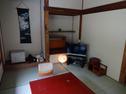 Japanese-Style Economy Room with Shared Bathroom - Annex