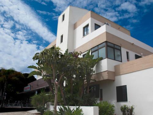 Praia dos Aveiros hotel e appartamenti