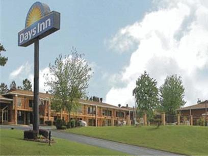 Photo of Days Inn Benton Hotel Bed and Breakfast Accommodation in Benton Arkansas