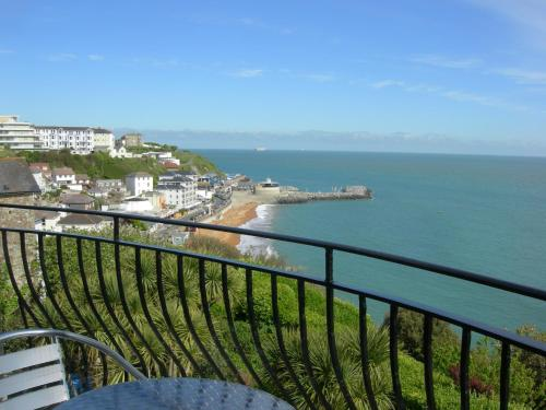 Beach View Apartment hotel in Ventnor