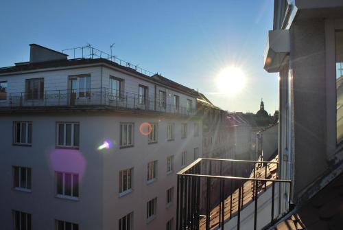 Hans Sachs Gasse 10 - Apartment mit 2 Schlafzimmern - Court Yard Side
