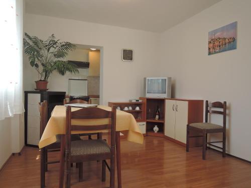 Apartments Miki