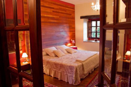 Superior King Room Casona de San Pantaleón de Aras 1