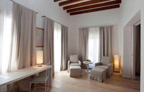 Suite con terraza Fontsanta Hotel Thermal & Spa 4