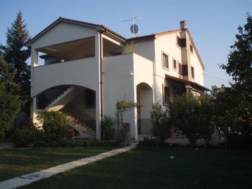 Guest House Lidija front view
