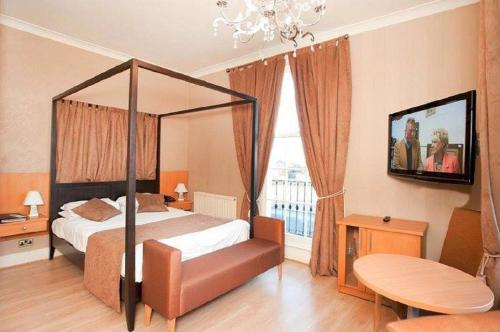 Stay at Grand St Leger Hotel