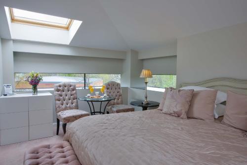 Habitación Doble Clásica - 1 o 2 camas - No reembolsable Castillo Del Bosque La Zoreda 6