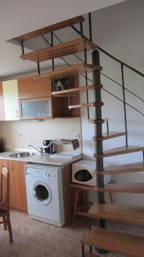 Mavrova Guest House