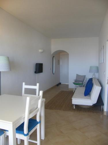 Apartament d'Una Habitació amb Vistes al Mar (One-Bedroom Apartment with Sea View)