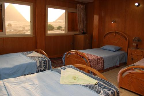 Triple Room with Pyramids View