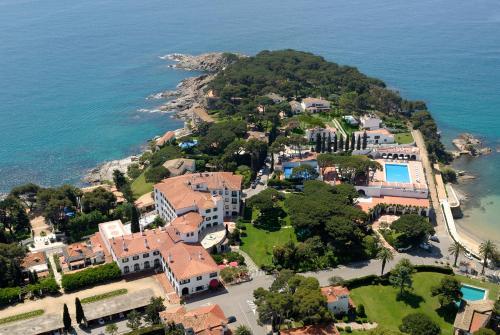 Habitación Doble Clásica con terraza y acceso al spa Hostal de la Gavina GL 3