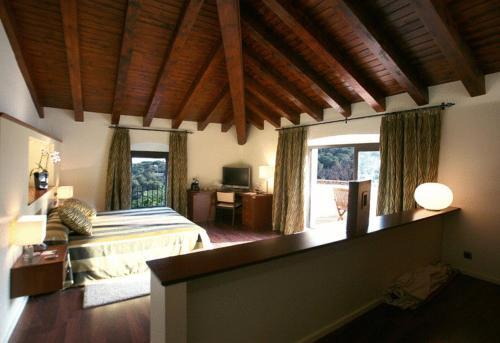 Suite Hotel Castell de l'Oliver 1