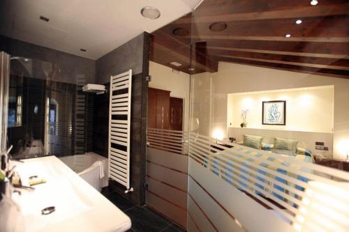Habitación Doble Superior Hotel Castell de l'Oliver 2