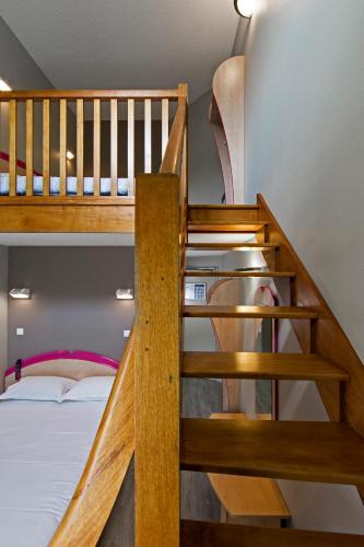 Hotel aurena h tel 41 avenue georges pompidou 15000 for Horaire piscine aurillac