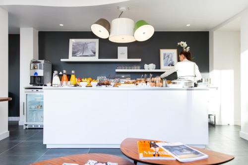 Hôtel Les Voiles, Toulon | BedroomVillas.com