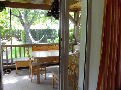 Ferienwohnung Hierke - Apartment mit 1 Schlafzimmer und Garten