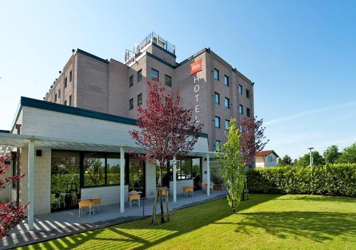 foto Hotel Ibis Firenze Prato Est (Calenzano)