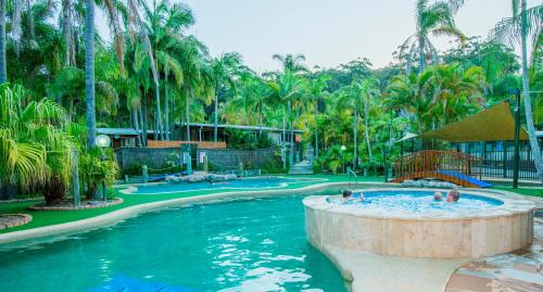 Central coast hotels and resorts nsw for Swimming pools central coast nsw