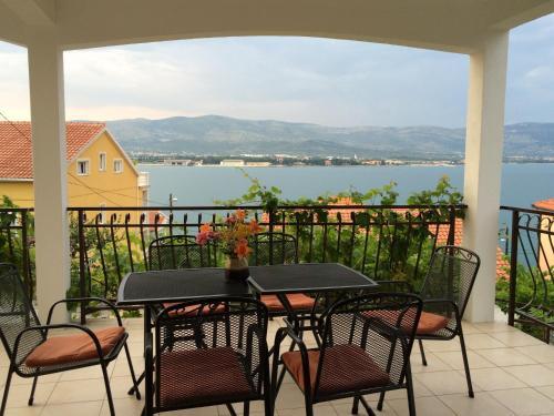 Отель Apartments Ljiljana 3 звезды Хорватия