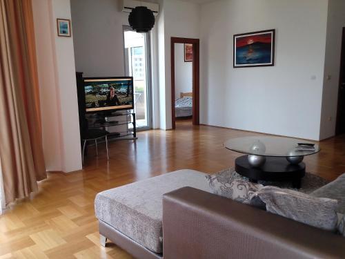 Apartments Nazira