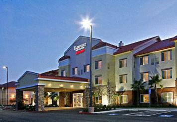 Photo of Fairfield Inn and Suites Turlock Hotel Bed and Breakfast Accommodation in Turlock California