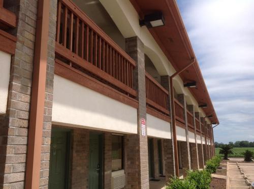 Best PayPal Hotel in ➦ Wharton (TX): Americas Best Value Inn Wharton