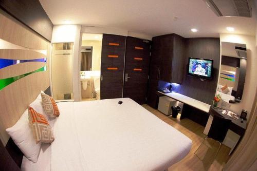 Отель Studio Sukhumvit 11 3 звезды Таиланд