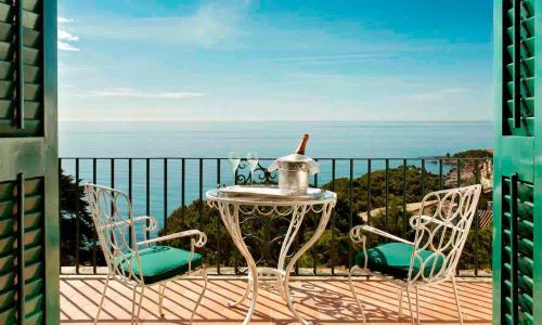 Superior Double Room with Terrace and Spa Access Hostal de la Gavina GL 1