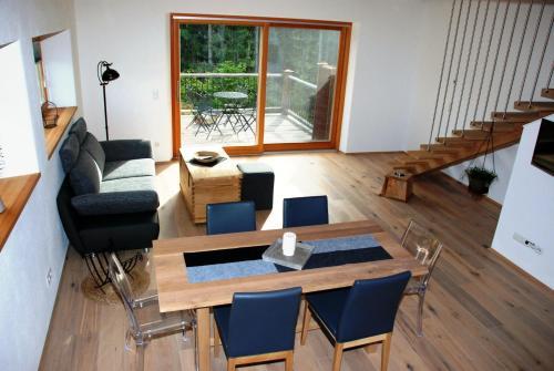 Chalet Ur-Gmiatli - Apartment mit Gartenblick