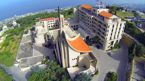 N D Mont Hotel Jounieh front view
