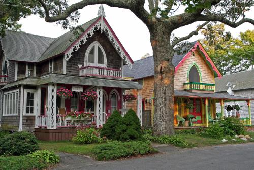 The Oak Bluffs Inn